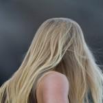 加齢や遺伝だけじゃない! 白髪になりやすい生活習慣