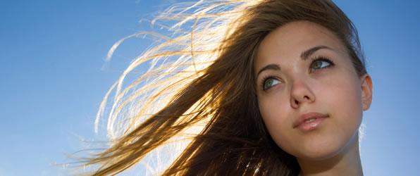 健やかな髪を育てる頭皮ケアにオイルマッサージのすすめ